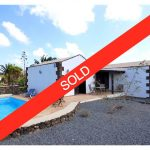 Typical canarian house for sale Lajares