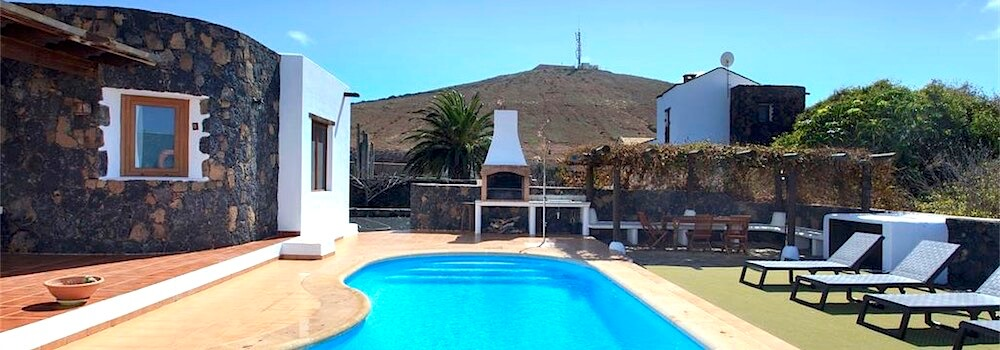 Villa La Oliva Fuerteventura for sale