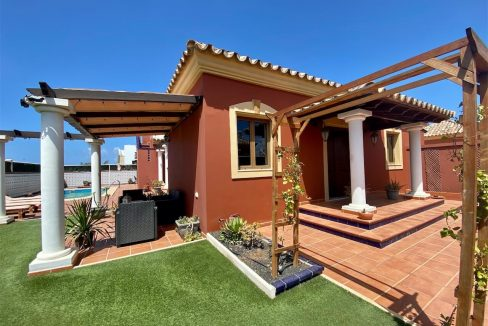 Detached villa with Annex Corralejo