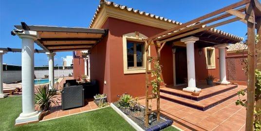 Villa con piscina Corralejo