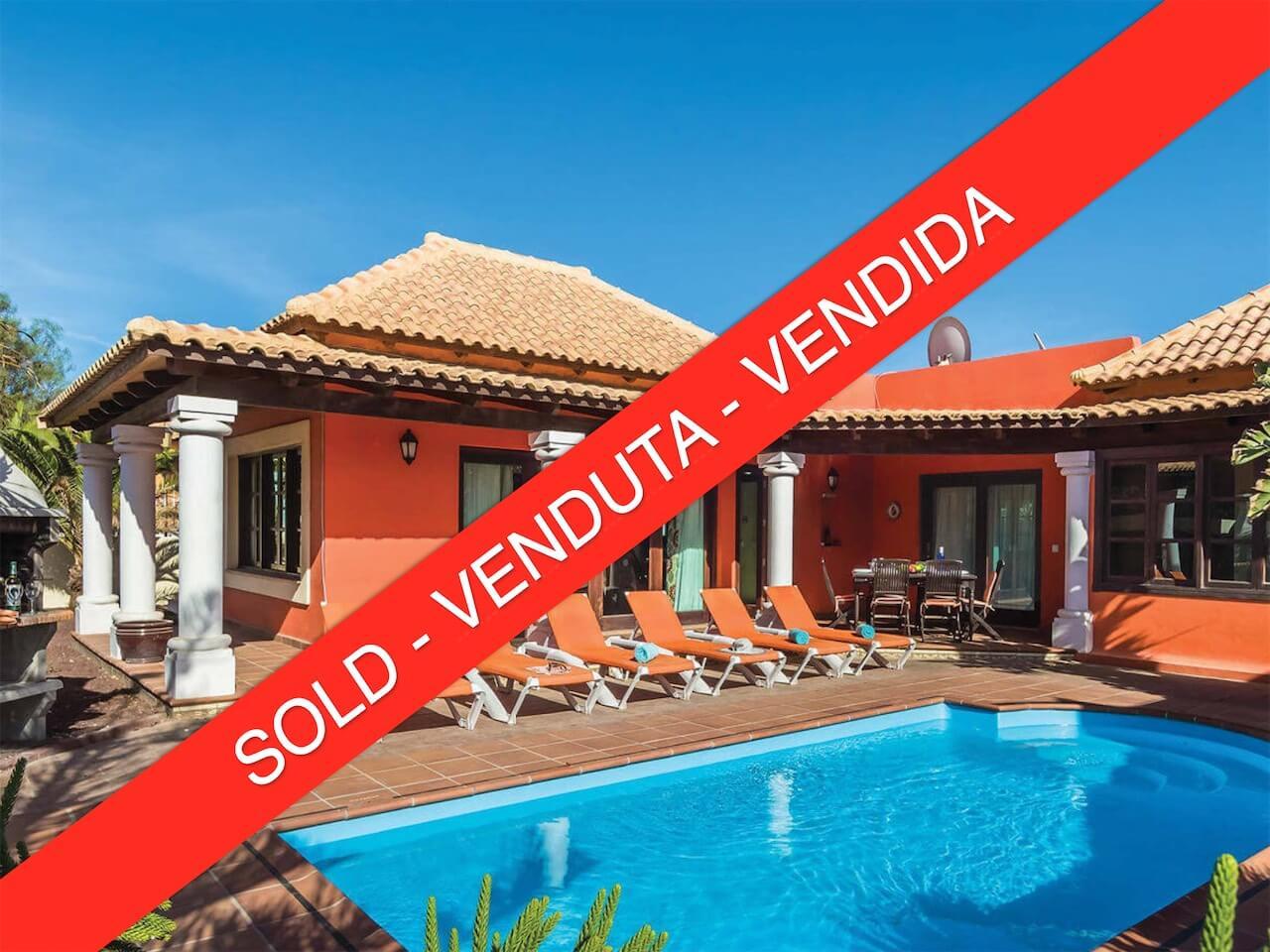 Detached villa with pool Corralejo
