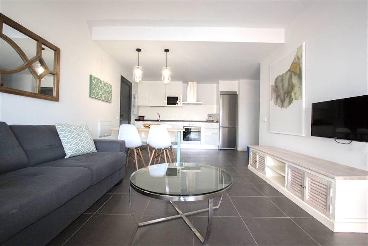 One Bed Apartment Casilla Costa